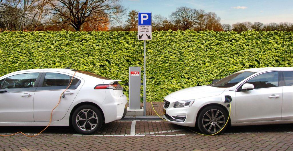 Mobil mit Elektroauto